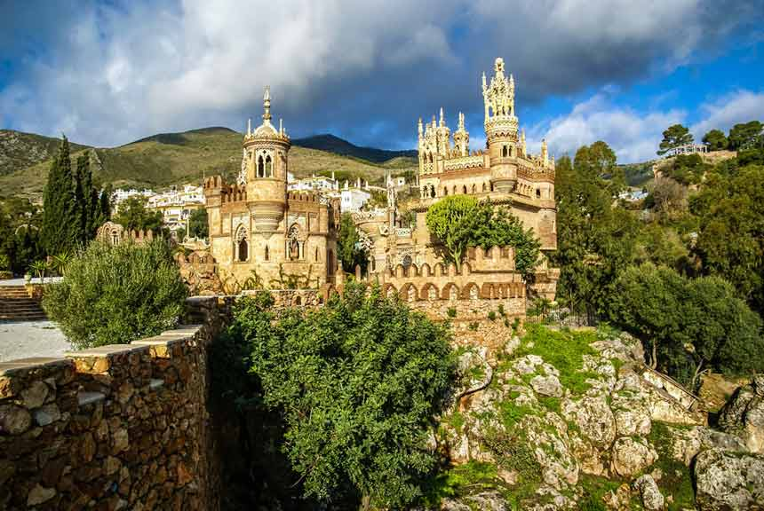 Colomares-Castle-in-Benalmadena,-Costa-del-Sol-(3)