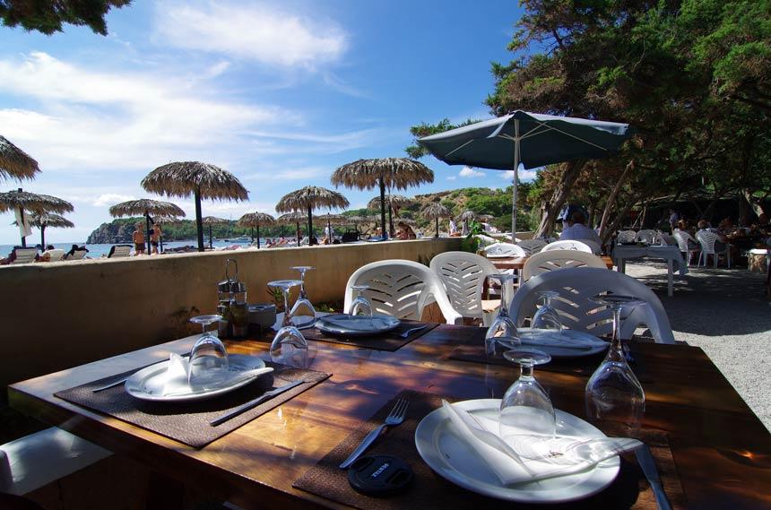 Es-Jondal-beach-in-Sant-Josep-in-Ibiza