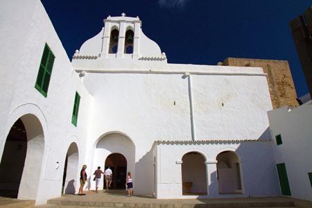 Entrada de la Iglesia de Sant Antoni