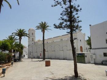Santa-Catalina-square-in-Conil-de-la-Frontera