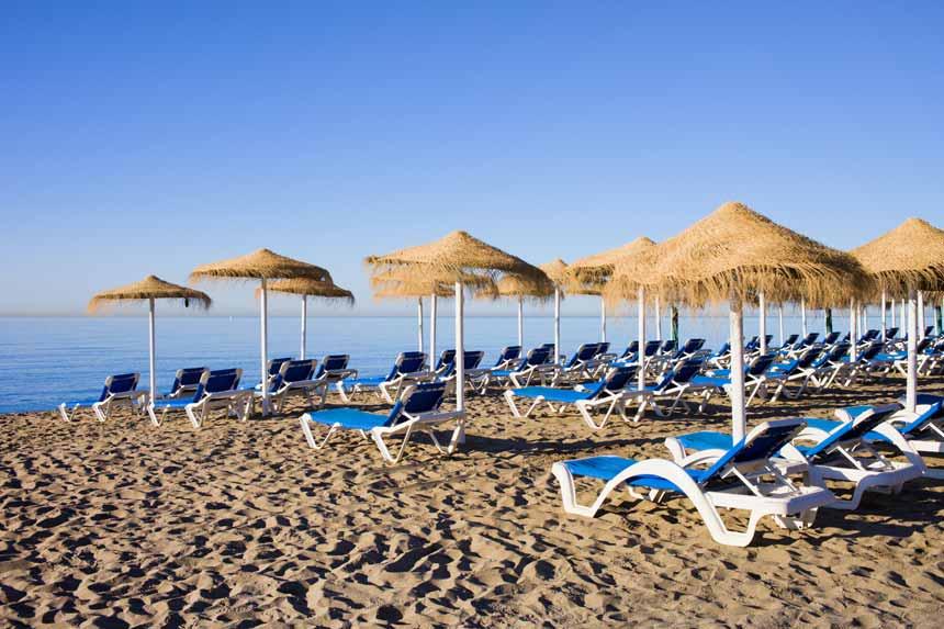 Sunbeds in Bountybeach , Marbella