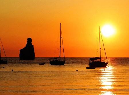 Sunset-in-Benirras-beach,-Ibiza