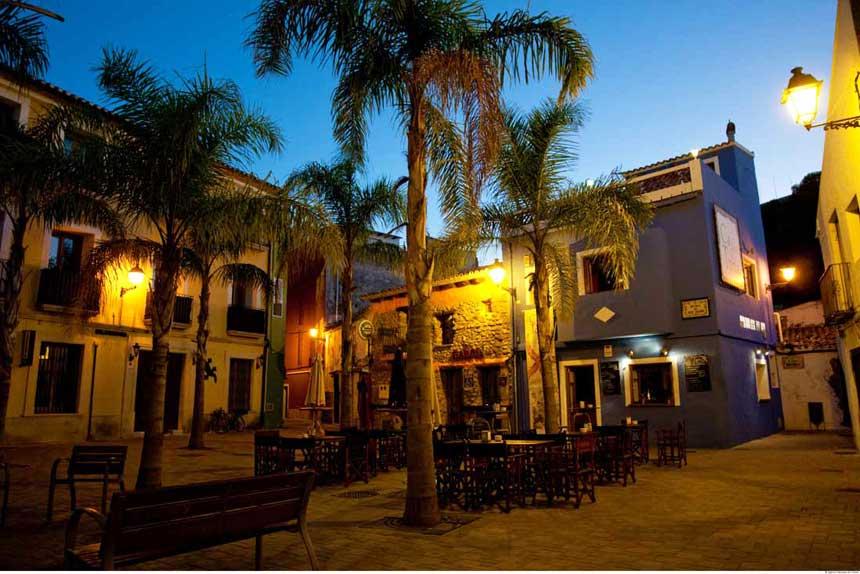The essential tourist spots of Denia Lovely baix la mar quarter next to the port