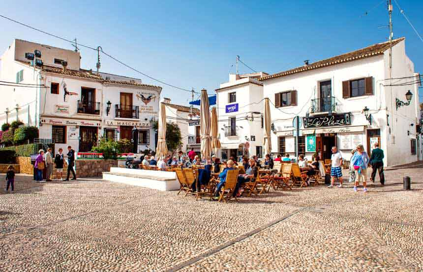Beautifull-square-in-Altea-Old-town