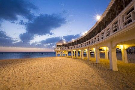 Caleta-beach-in-Cadiz-old-town