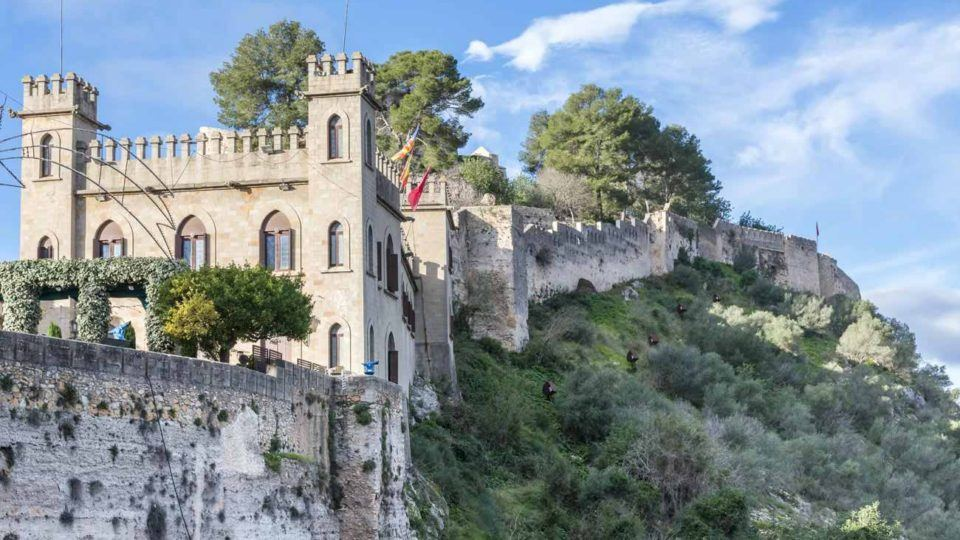 Castle-and-old-walls-of-Xativa