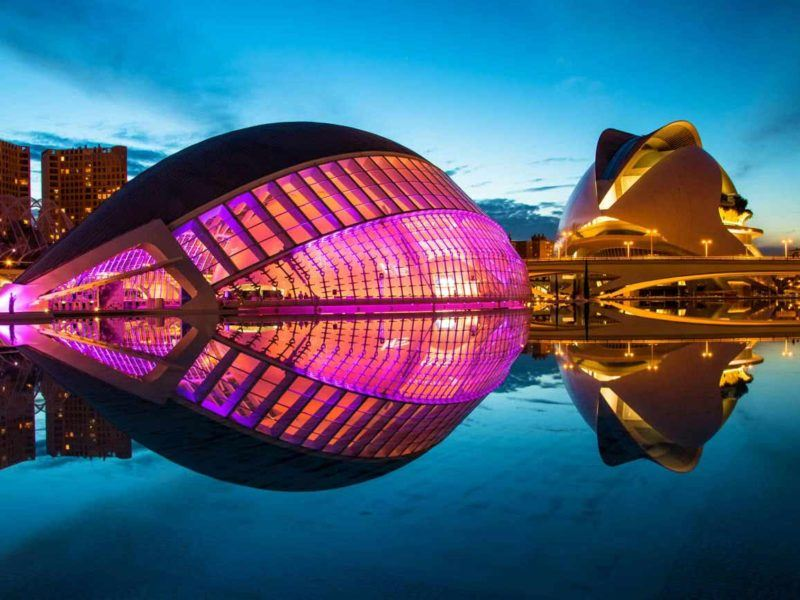 City-of-Arts-and-science-of-Valencia-at-night