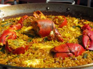 Eat tasty paella in Cullera