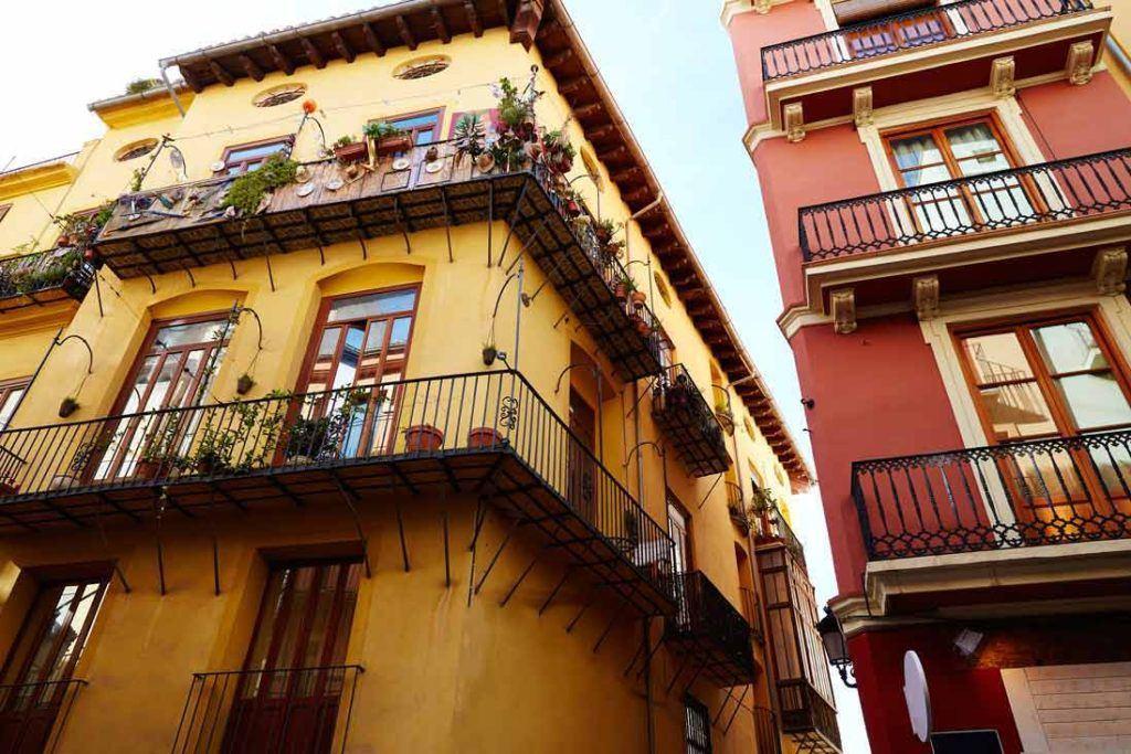 Old-building-in-Carmen-quarter-the-barri-del-carme