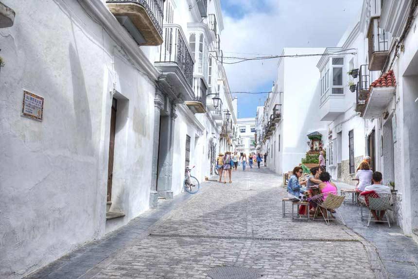 Tarifa-old-town narrow streets