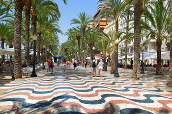 Highlights in Alicante Explanada promenade in Alicante