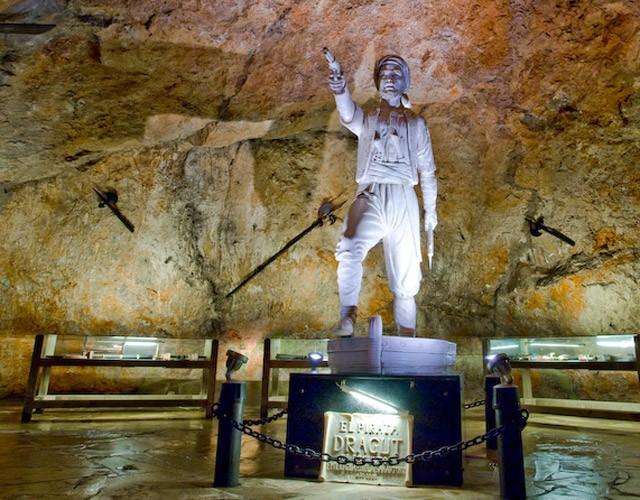 Escultura Cueva Dragut