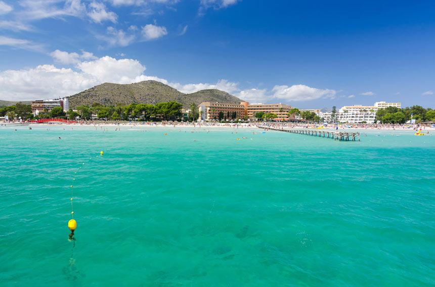 Alcudia bay turquois waters