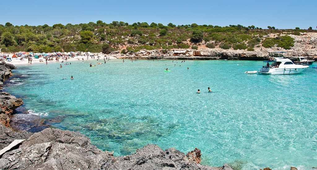 Incredible turquoise and clear water in Cala Varques Manacor
