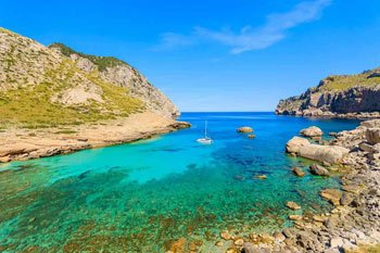 Cala-figuera-beach-in-Formentor,-north-Mallorca-II