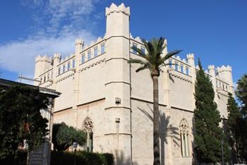Beautifull main façade of the Lonja de Palma