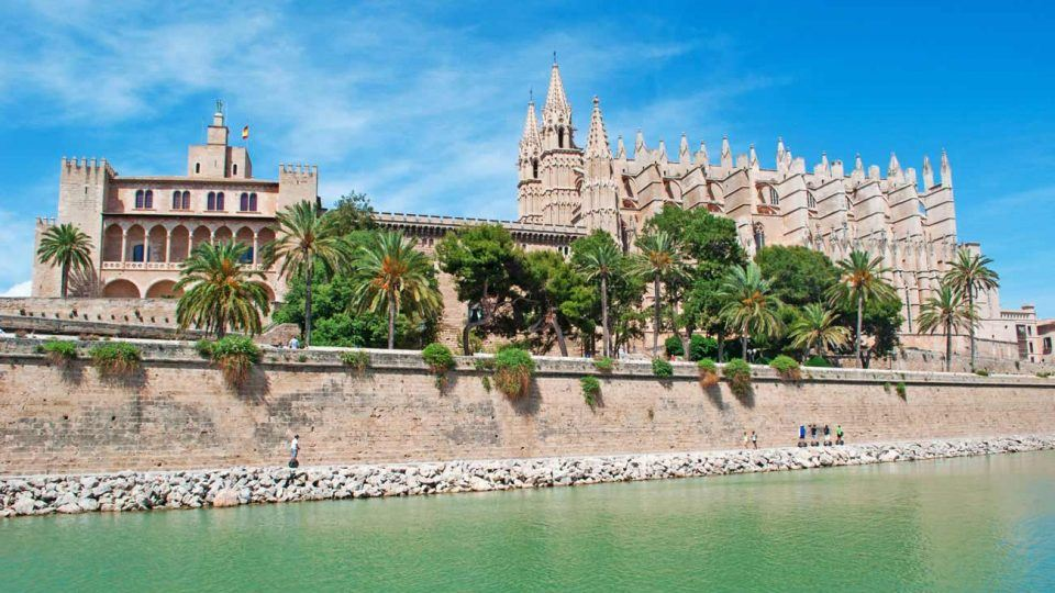 Panormic view of Palma Mallorca Cathedral and ALmudaina palace