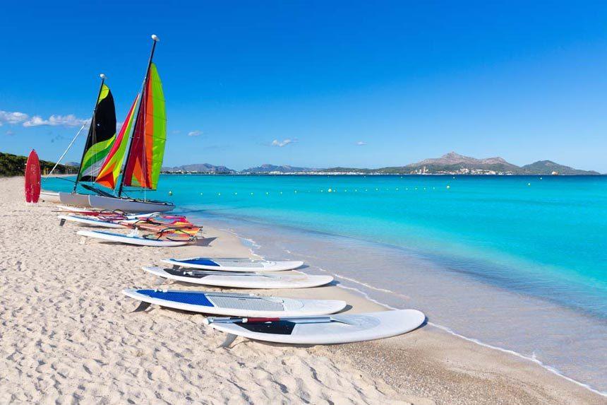 Katamarans And Paddle Surf In Playa De Muro