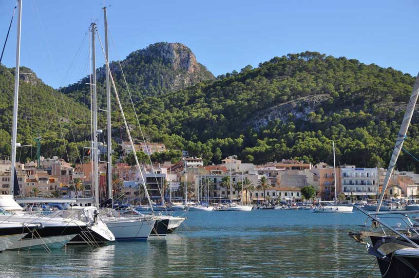 Beautifull image of the Port Of Andrach