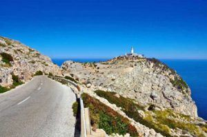 Road-to-Formentor-in-North-Mallorca