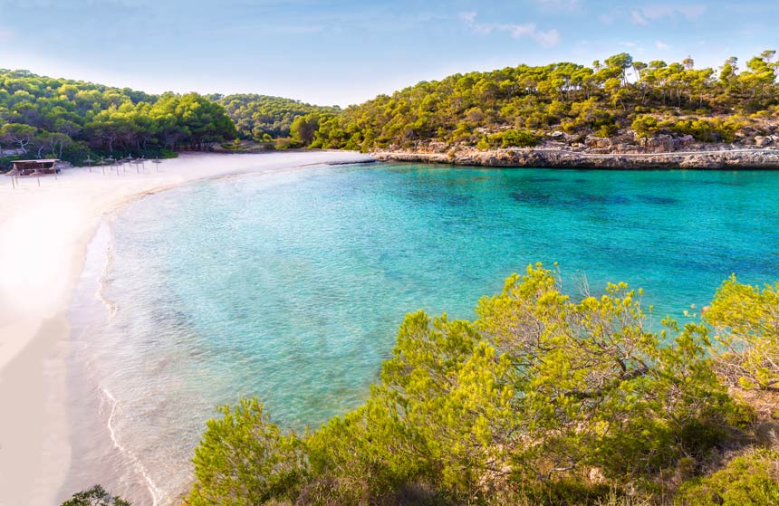 Cristaline and turquois waters of Cala Mondrago