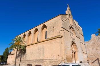 Sant-Jaume-Church-main-façade-in-Alcudia