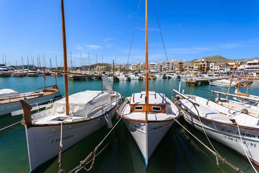 beautifull picture of the port of Pollensa and Traditional boats