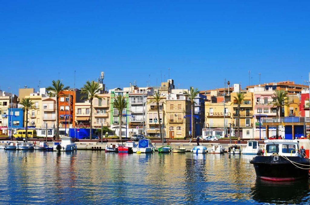 Fisherman quartier El Serrallo in Tarragona