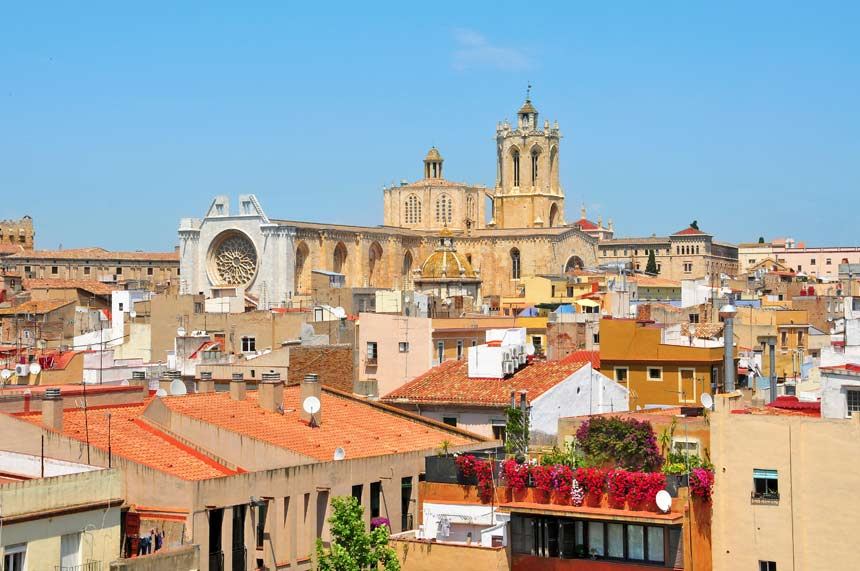 Beautifull aereal view of Tarragona and Cathedral