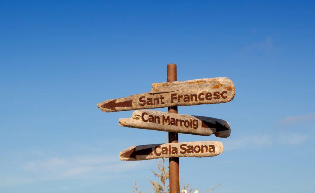 Signals to Cala Saona