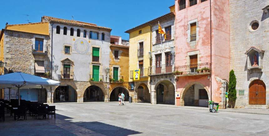 Torroella de Montgri central village