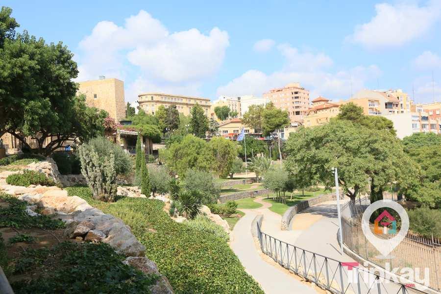 jardines-del-miracle-o-parque-de-las-granotes-27
