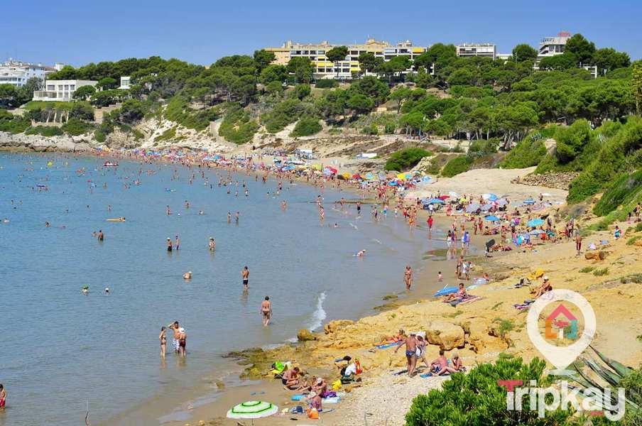 playa larga de Salou