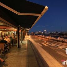 Restaurantes del puerto de AMetlla de Mar al anochecer
