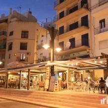 restaurantes del puerto de Ametlla de Mar por la noche