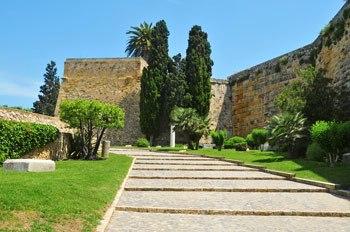 Murallas de Tarragona y paseo arqueologico