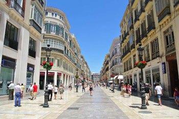 Calle Larios cubierta de toldos en Málaga
