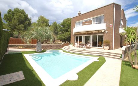 Villa for 10 people in Hospitalet de L´Infant