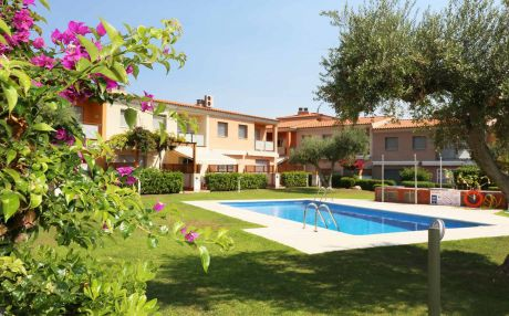 House with pool for 6 people in Cambrils