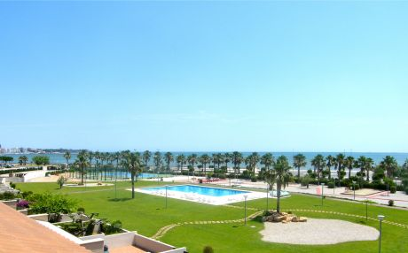 House beach view for 9 people in Ampolla