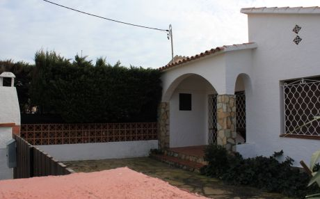 House for 5 persons in Escala