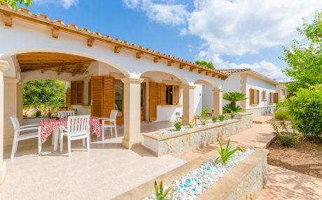 Villa for 7 people in Campos