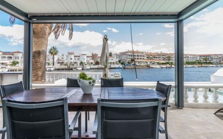 House for 8 persons in Empuriabrava