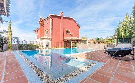 Villa for 12 people in Alhaurín el Grande