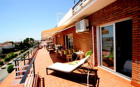 Cozy apartment for 4 people in Sitges