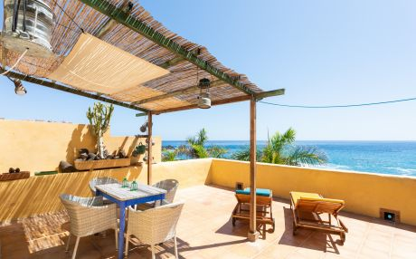 Beachfront apartment for 6 people in Alcalà