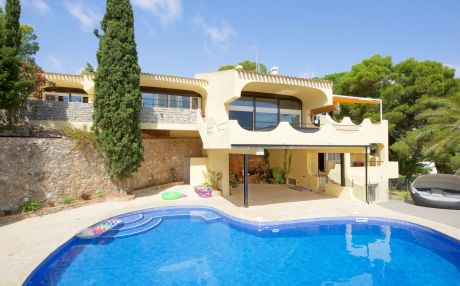 Villa for 14 people in Ampolla
