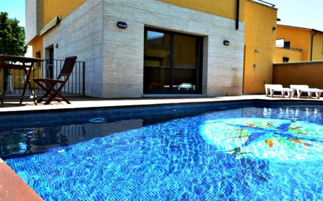 House for 8 people in Sant Pere Pescador