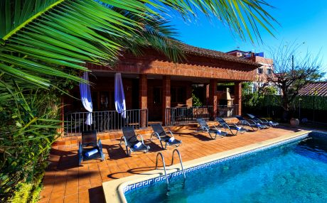 Villa for 22 people in Vilafortuny