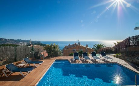 Villa for 10 people in Blanes